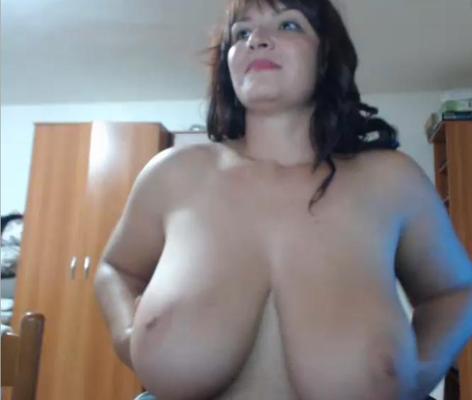 Big boobs milf showing on cam